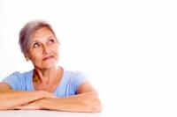 Vaše oči vám mohou i v pokročilém věku dobře sloužit. Měli byste však v průběhu života dbát na jejich správnou ochranu, doplňovat prospěšný lutein a pravidelně navštěvovat očního lékaře.