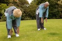 Osteoporóza je onemocnění kostní tkáně, které vede k řídnutí kostní hmoty a zvýšené křehkosti kostí.  Vhodnou prevencí je mimo jiné dostatečná fyzická aktivita a přiměřený pobyt na slunci – a to v každém věku.