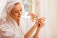 Klíč k řešení suchých a popraskaných rukou