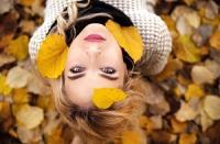 Vypadávají vlasy na podzim více?